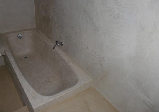 Baignoire en beton cire maison design for Baignoire beton cire